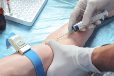 crop images of a nurse taking the patient's blood for blood analysis